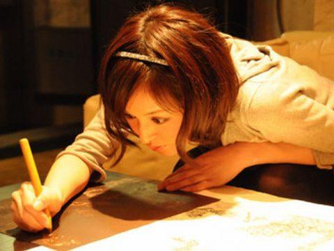 「美しすぎる銅版画」小松美羽